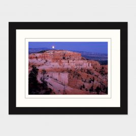 Moonrise over Bryce Canyon – Print